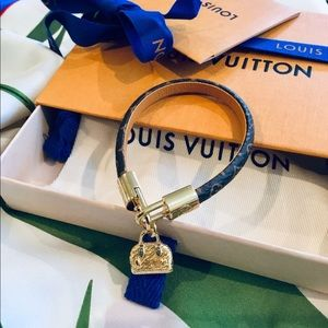 🛍Louis Vuitton Monogram Bracelet.